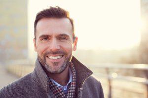 Ästhetische Behandlungen für Männer für ein gepflegtes Äußeres | Hautzentrum Dr. Kors
